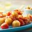Pinchos de papas, tomates cherry y lomito ahumado
